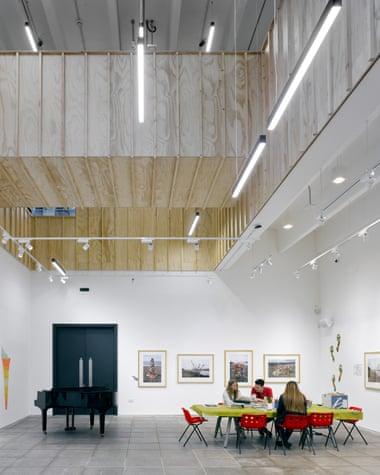 Ty Pawb Gallery 2